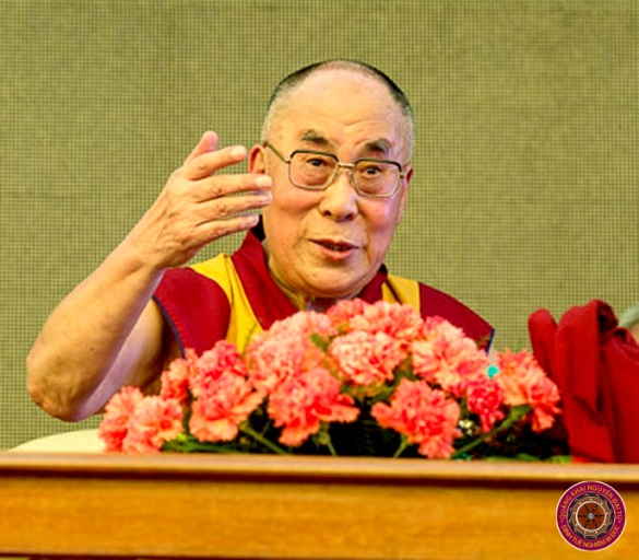 C:\Users\Tu Duc\Pictures\2011-11-14 reflectionA\Dalai Lama\New folder\2015\39.jpg